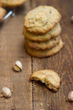 Recettes de cookies au chocolat blanc et à la pistache Cookies Et Biscuits, Desserts, Photos, Pistachio Cookies, White Chocolate Chips, Cooking Food, Tailgate Desserts, Deserts, Postres