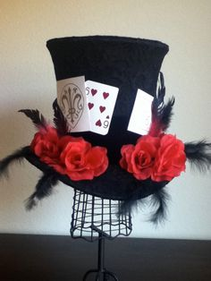 """You're all late for tea! This top hat is inspired by the amazingly cute """"Alice in the Country of Hearts"""" manga character called Blood Dupre. The hat has. Tea Hats, Tea Party Hats, Carnival Photo Shoots, Steampunk, Alice In Wonderland Party, Mad Hatter Tea, Cosplay, Halloween Party, Halloween 2017"""