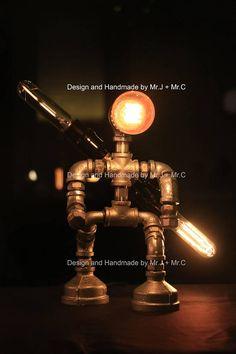Sabre BBE concepteur éclairage industriel rouge lampe