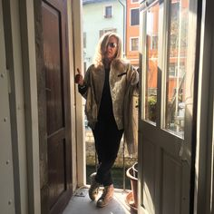 ES'GIVIEN Qualità e Artigianato Italiano👠💄💃🇮🇹🇮🇹🇮🇹 #esgivien #orgogliodiessereitaliano #italyintheworld #madeinitaly #fashion #styles #stylish  #model #glam #glamour #outfit #ootd #instagood #instafashion #shopping #tagsforlikes #todayimwearing #mylook #fashionista #instastyle #fashiongram #beautiful #accessories  #swag #cute #confezionimontibeller #borgovalsugana #trentino #livelovevalsugana  http://www.confezionimontibeller.it