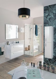 Des inspirations pour votre future salle de bain à découvrir ! Nos spécialistes Envie de Salle de Bain ont déniché et décrypté pour vous les tendances phares de 2019/2020 qui se combinent à l'infini avec nos solutions d'aménagement. Wall Tiles, Double Vanity, Mirror, Bathroom, Design, Furniture, Home Decor, Coin, Showroom