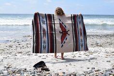 Mexicaanse Thunderbird Deken Tapijt Authentieke | Etsy Yoga Blanket, Beach Blanket, Camping Blanket, Picnic Blanket, Southwestern Blankets, Light Covers, Tans, Tapestry Wall Hanging, Navajo