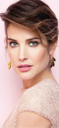 Cobie Smulders in 'Glamour Mexico'