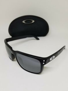 6d586fd1760 OAKLEY HOLBROOK 9102-81 SUNGLASSES NICE DESIGN AUTHENTIC (C673)  fashion   clothing  shoes  accessories  mensaccessories   sunglassessunglassesaccessories ...