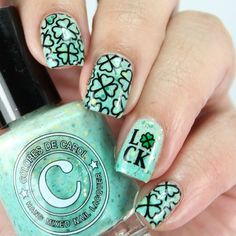"🍀 Lucky Me - This activates at it is ""cold activated"" rather than heat and gains color at and colder . This is a very light… Shellac, Gel Nails, Manicure, Nail Nail, Winter Nails, Spring Nails, St Patricks Day Nails, Nail Stamping Plates, Hair Color Blue"
