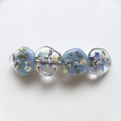 Uv Resin, Resin Art, Diy Resin Crafts, Diy And Crafts, Diamond Earrings, Stud Earrings, Resin Flowers, Resin Jewelry, Polymer Clay