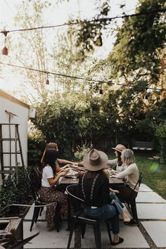 Making the most of beautiful weather with a gathering with friends. Outdoor living at its best. Props to Hygge, Outdoor Spaces, Outdoor Living, Outdoor Patios, Outdoor Kitchens, Outdoor Seating, Outdoor Decor, H & M Home, Photos Tumblr