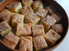 Dit is de lekkerste cake die ik ooit heb gegeten. Echt, de lekkerste die ik ooit heb gegeten. Je zou misschien denken, cake is cake, wat kan daar nou zo bijzonder aan zijn. Nou, ik weet ook niet ho… Dutch Recipes, Turkish Recipes, Sweet Recipes, Baking Recipes, Cake Recipes, Heb Cakes, Cake Cookies, Cupcakes, Biscuits