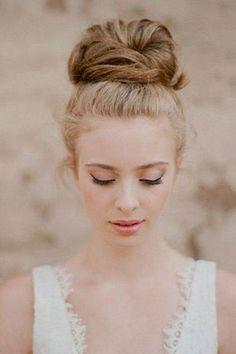 14 Summer Wedding Makeup Tips And 31 Ideas Summer Wedding Hairstyles, Wedding Updo, Wedding Rings, Summer Wedding Makeup, Bridal Makeup, Loose Hairstyles, Bride Hairstyles, Bridesmaid Hairstyles, Romantic Hairstyles
