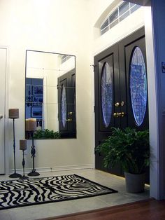 Entrance hall, DIY mirror with nailhead accent