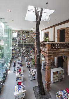 Ir a librerías! La del Centro Cultural Elena Garro :)