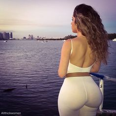 round ass latinas