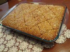 Δεν έχουμε λόγια, είναι εξαιρετικός! Χαλβάς στο φούρνο Greek Sweets, Greek Desserts, Greek Recipes, Cake Mix Cookie Recipes, Cake Mix Cookies, Dessert Recipes, Confectionery, Cupcake Cakes, Cupcakes