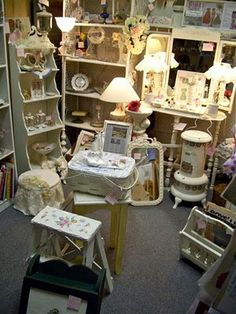 The Polka Dot Closet: All About Renting Space At An Antiques Mall