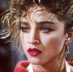 Madonna my gurl 1980s Madonna, Madonna Rare, Madonna Vogue, Madonna Photos, Lady Madonna, Madonna 80s Makeup, 1980 Makeup, Divas Pop, Madona