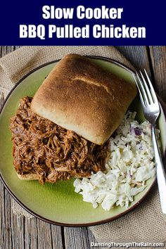 Slow Cooker Pulled Chicken - When You've Had A Long Day, Slow Cooker Pulled Chicken Waiting For You At Home Makes For One Of The Perfect Dinner Recipes Serve It With Some Delicious Side Dishes And You're Good To Go Slow Cooker Bbq, Slow Cooker Recipes, Crockpot Recipes, Chicken Recipes, Cooking Recipes, Cookbook Recipes, Easy Weeknight Meals, Frugal Meals, Easy Meals