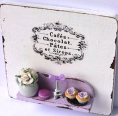 ♡ ♡  Shabby chic white romantic vintage Paris por ManthaCreaMiniatures