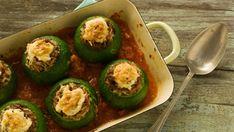 Zapallitos rellenos a la bolgnesa Avocado Egg, Baked Potato, Zucchini, Sushi, Baking, Breakfast, Ethnic Recipes, Argentinian Recipes, Food