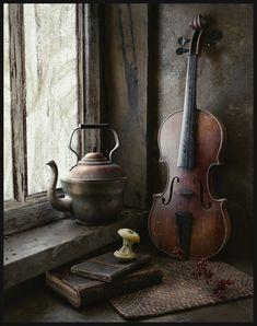 Shades of Brown Still Life Photos, Still Life Art, Violin Art, Violin Drawing, Violin Painting, Irish Cottage, Vanitas, Light Painting, Still Life Photography