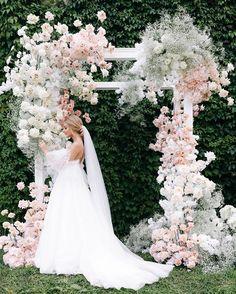 Wedding Altars, Wedding Stage, Wedding Ceremony Decorations, Ceremony Backdrop, Wedding Photos, Wedding Bride, Floral Wedding, Wedding Flowers, Wedding Dresses