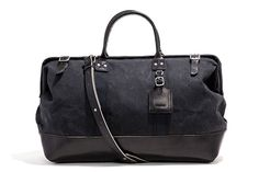 991be3924737 Black bag Carry All Bag, Backpacker, Travel Style, Men's Bags, Tote Bags