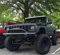 O       O #jeep #xj