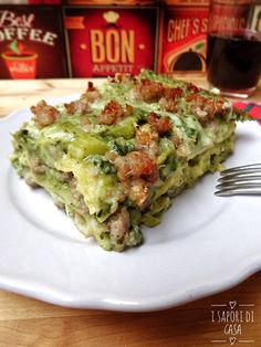 Lasagne broccoli e salsiccia Pasta Con Broccoli, Cannelloni, Healthy Diet Recipes, Foods With Gluten, Vegetable Dishes, Crepes, Pasta Dishes, Pasta Recipes, Italian Recipes
