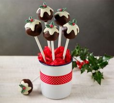 festive Christmas pudding cake-pops! traditional English treat goes modern trendy | recipe & instructions from BBC Good Food