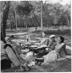 Man Ray and Ady Fidelin in Cannes Pau Eluard, Adrienne Fidelin, Lee Miller, ph. Man Ray Nusch and Paul Eluard, Roland Penr. Lee Miller, Man Ray, Muse, Carpe Diem, Roland Penrose, Liberation Of Paris, Cannes France, Oeuvre D'art, Vintage Photos