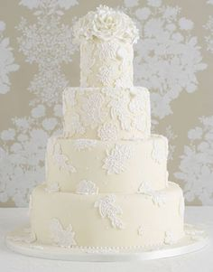 Peggy Porschen - Wedding Cakes/ Iced Cakes - Couture Lace