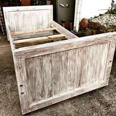 I love when friends finally take the chalk paint dive and redo old furniture. My friend Shannon has been dreaming up ways to redo this bunk bed for her son. After a few emails, one call and lots of reading on my blog, she did it! And this looks GREAT! I'd say she nailed it on her first try. #imeeshu