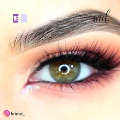 Makeup can do wonders and lift the hooded eyes up! Makeup can do wonders and lift the hooded eyes up Dramatic Eye Makeup, Eye Makeup Steps, Cat Eye Makeup, Simple Eye Makeup, Natural Eye Makeup, Smokey Eye Makeup, Eyeshadow Makeup, Natural Eyeshadow, Makeup For Downturned Eyes