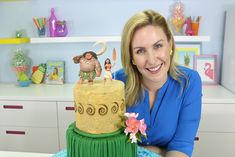 How to Make a DISNEY MOANA Cake with the newest Disney Princess Moana and Maui the Sun God. It's also perfect without the toppers for a beach, luau or hawaiian themed party, wedding or event!