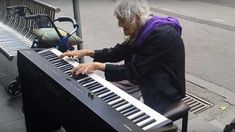 Matthew Trayling's pianist mom Natalie has been performing for decades in and around Melbourne, Australia. This grandmother is actually quite famous in her home country, but prefers to play on the streets so everyone can enjoy her music. Growing Old Together, Piano Player, Playing Piano, Old Street, Alternative News, Classical Guitar, Bus Stop, Piano Sheet Music, Original Song