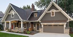 Browse modern exterior home design photos. Discover decor ideas and architectural inspiration to enhance your home's minimalist exterior and facade as you build or remodel.add some red accents👏🏾 Traditional Exterior, Modern Exterior, Exterior Design, Traditional Paint, Garage Design, Exterior Color Schemes, House Color Schemes, Craftsman Exterior Colors, Exterior Color Combinations