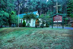 https://flic.kr/p/5ZgcDu | Marysville-Victoria-Church | Marysville-Victoria-Church: Anglican Parish Christ Church Marysville. Marysville Victoria has tragically been ravaged by bushfires and the small Church on the corner of Marysville Rd & Marysville Woods Point Rd is believed to have burned to the ground like most of the town. Picturesque Marysville is situated between Narbethong and Buxton and is about 100 km or 2 hours drive from the Melbourne CBD. Many Victorians will miss the small…