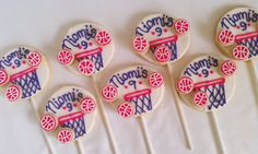 Shop for basketball on Etsy, the place to express your creativity through the buying and selling of handmade and vintage goods. Basketball Cookies, Cookie Sticks, Personalized Basketball, Cookie Pops, Yum Food, Decorated Cookies, Cookie Decorating, Yum Yum, 3 D