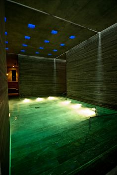 32º de placer... Therme Vals (Valserval - Switzerland)  by Andro de Guezala, via Flickr