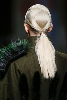 runway hair, fendi  love the detail in her hair! #myavalon via source: http://bobo75004.blogspot.nl/2014/02/fendi.html