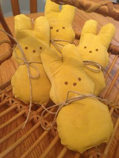 Primitive Easter Peeps, Bunnies, Bowl Fillers Set Of 4
