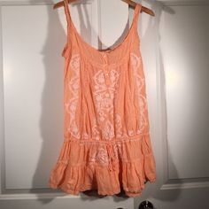 Melissa Odabash Dress Can be worn over swimwear or as a dress. Peach color with white embroidery. Size small but definitely could fit a medium as it runs big. Melissa Odabash Swim Coverups