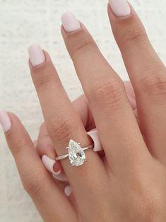 Pear Wedding Ring, Pear Diamond Engagement Ring, Pear Ring, Pear Shaped Engagement Rings, Engagement Ring Shapes, Dream Engagement Rings, Ring Verlobung, Tear Drop Wedding Ring, Engagement Rings White Gold