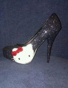 Cute Hello Kitty shoe!!