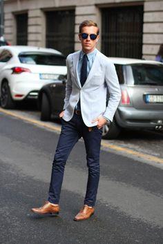 Light color blazer with dark navy bottom always works
