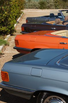 R 107 rainbow   Nostalgic Classic Car Travel