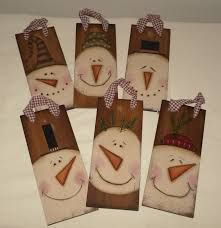 New Post primitive christmas wood crafts Christmas Wood, Christmas Snowman, Christmas Projects, Primitive Christmas Ornaments, Christmas Ideas, Primitive Snowmen, Primitive Crafts, Country Primitive, Primitive Stitchery