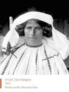 Folkwear-Society-Typology-woman-Uricani Folk Costume, Costumes, Folk Music, Romania, Hair Inspiration, Black And White, Photography, Style, Fashion