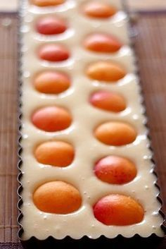 Financier géant aux abricots - Expolore the best and the special ideas about French recipes French Desserts, Köstliche Desserts, Delicious Desserts, Dessert Recipes, Tart Recipes, Sweet Recipes, Cooking Recipes, Mousse Au Chocolat Torte, Apricot Recipes