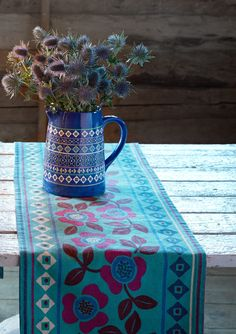 """Helga"" table runner in eco-cotton – Theme Iceland – GUDRUN SJÖDÉN – Webshop, mail order and boutiques 