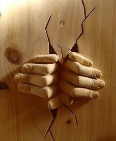 Wood sculpture: with both hands. - Today Pin- Wood sculpture: with both hands. Art Sculpture En Bois, Hand Sculpture, Sculpture Ideas, Cnc Wood Carving, Wood Carving Patterns, Chip Carving, Tree Carving, Wood Projects, Woodworking Projects